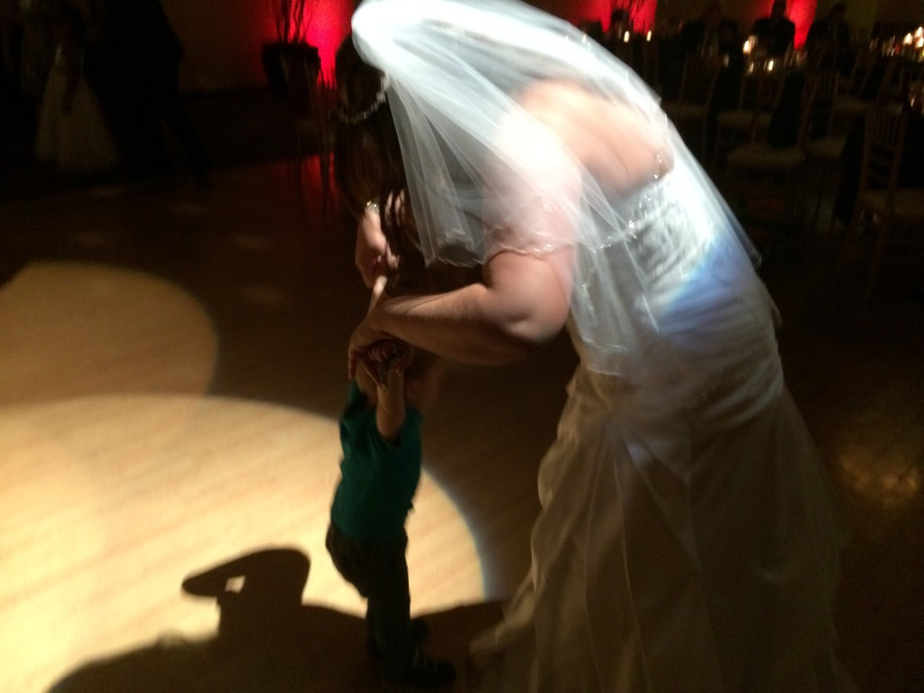 Felix dances with the bride